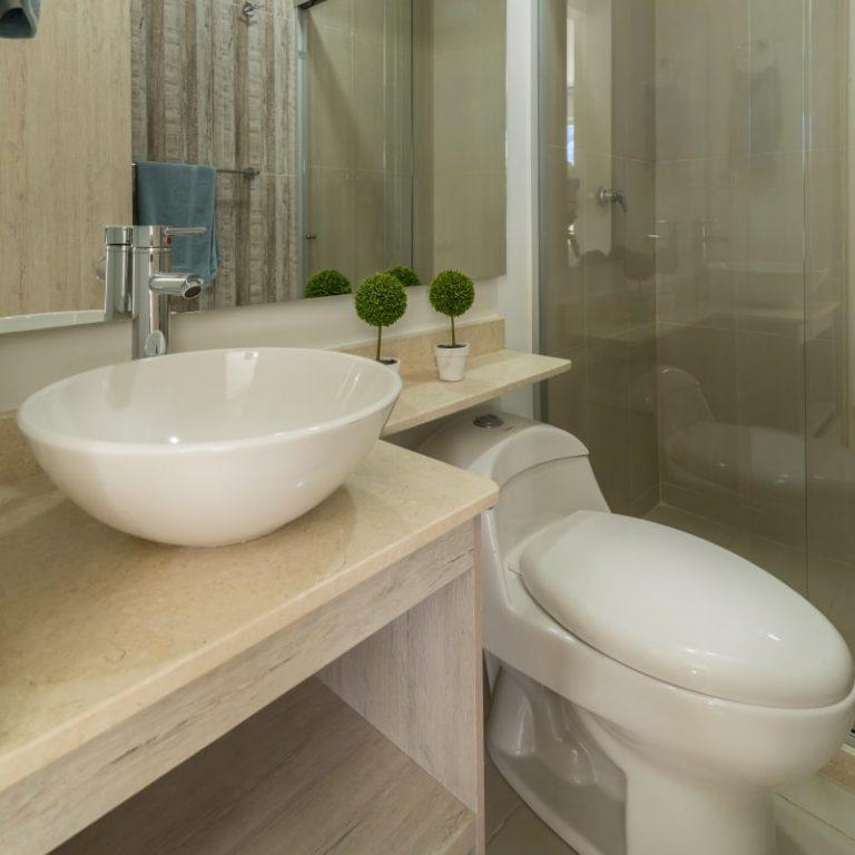 Neos Alameda La Victoria - Apartamento modelo - Dormitorio principal - baño